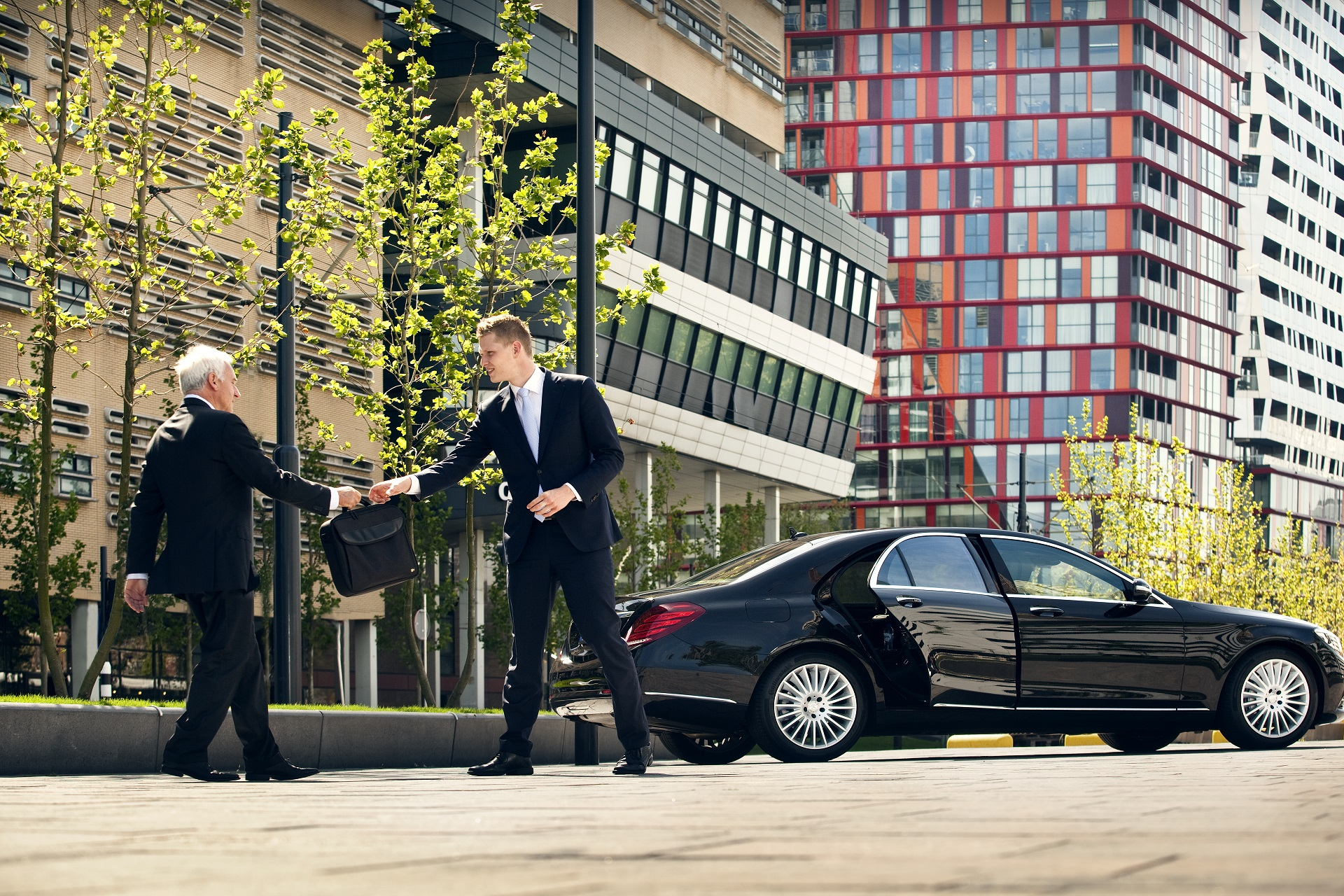 Car service Amsterdam Schiphol Airport